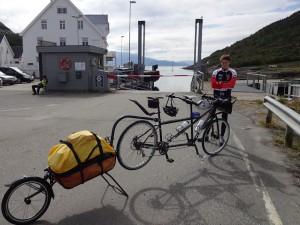We wait for the ferry - our last one! Wir waren auf die Fähre - unsere Letzte!