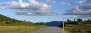 Every biker´s dream: downhill, sun and an empty road! Der Traum eines jeden Radlers: bergab, Sonne und eine leere Strasse!