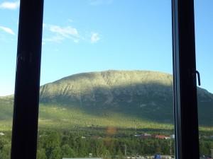 Nothing to complain about this view from the hotel window. An diesem Blick aus dem Hotelfenster ist nichts auszusetzen.